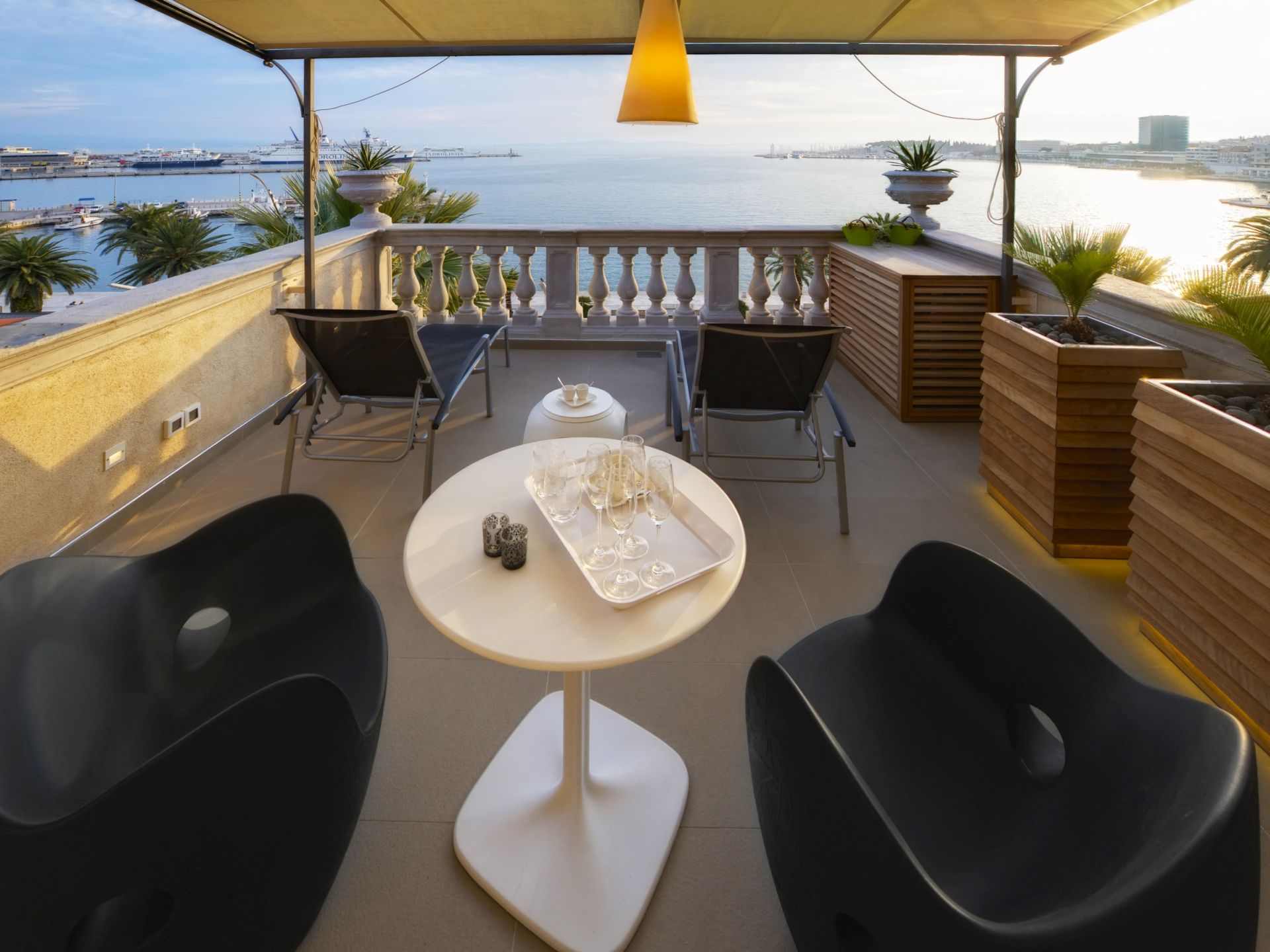 Riva Luxury terrace with sea view