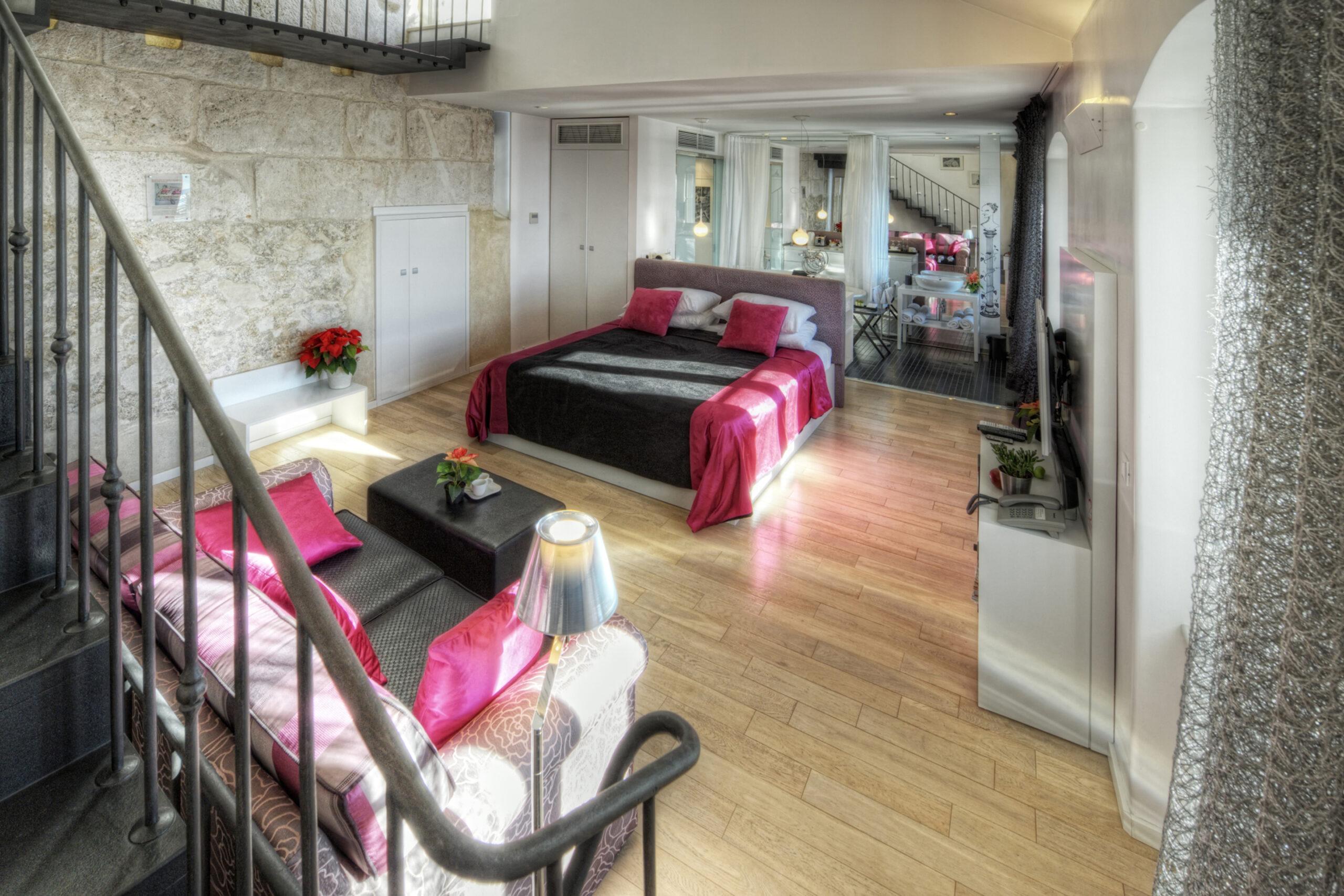 Riva Luxury bedroom